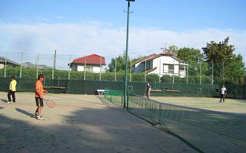 テニス仲間が増えてきました_a0151444_1021680.jpg