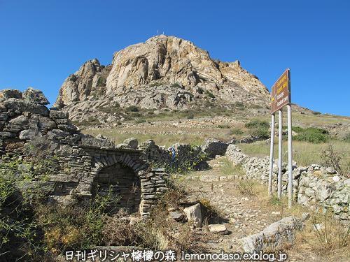 ティノスのデメテールとコレーの神殿 エクソンヴルゴ_c0010496_22371719.jpg