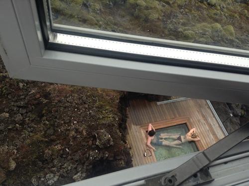 とびきりロマンチック!食も露天風呂もオーロラも満載のアイスランドのブティック・ホテル_c0003620_22431584.jpg