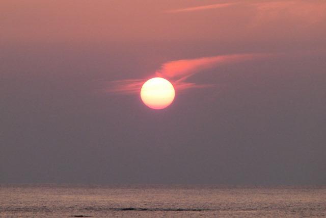 天草の素晴らしい夕日日本一の夕日、頑張れ橋下徹大阪都市構想と町づくり、天草四郎の乱と天草・牛深の町_d0181492_071549.jpg