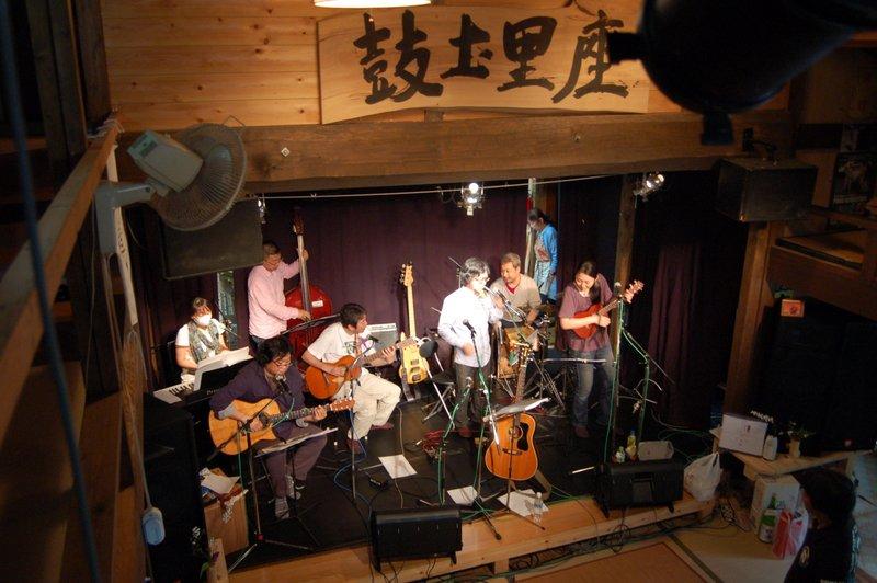 CD発売記念ライブ~~~_c0057390_1921731.jpg