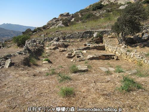 ティノスのデメテールとコレーの神殿 エクソンヴルゴ_c0010496_19183297.jpg