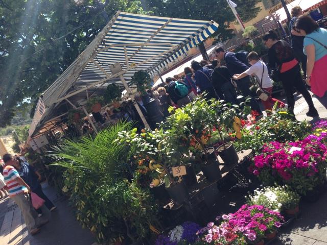 Nizza ニース観光② 生牡蠣の店@ Côte d\'Azur 南フランス、コート ダ ジュールの旅_b0246303_16232312.jpg