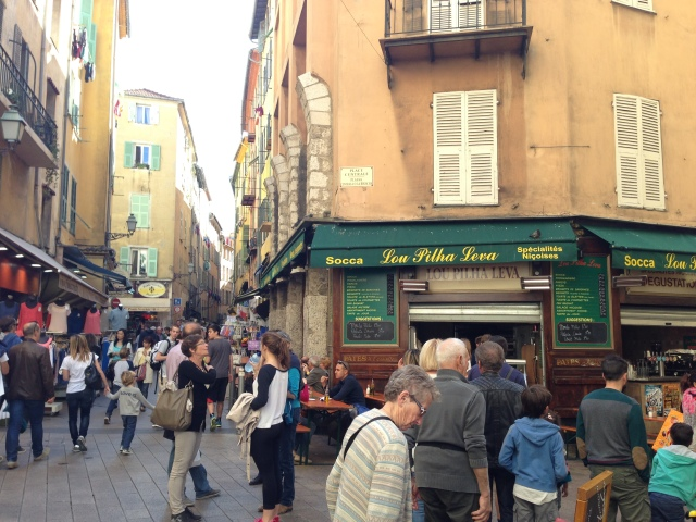 Nizza ニース観光② 生牡蠣の店@ Côte d\'Azur 南フランス、コート ダ ジュールの旅_b0246303_16413154.jpg