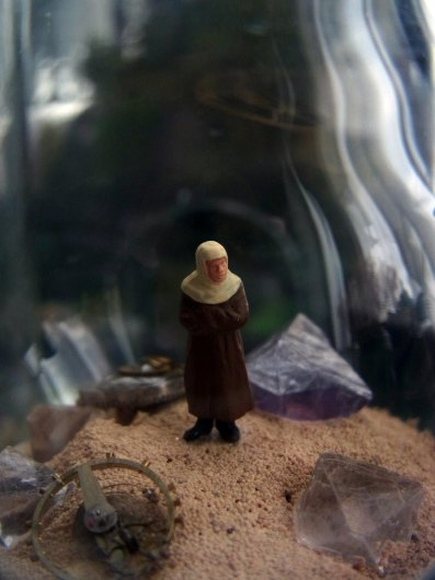 鉱物ジオラマ電球「熱い砂の海」_f0280238_20445874.jpg