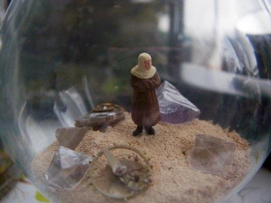 鉱物ジオラマ電球「熱い砂の海」_f0280238_20445934.jpg