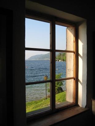 マーラー「アッター湖の作曲小屋」_a0280569_2194310.jpg
