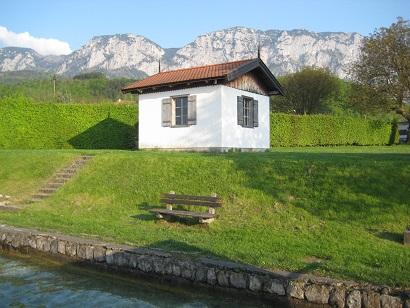 マーラー「アッター湖の作曲小屋」_a0280569_2195961.jpg