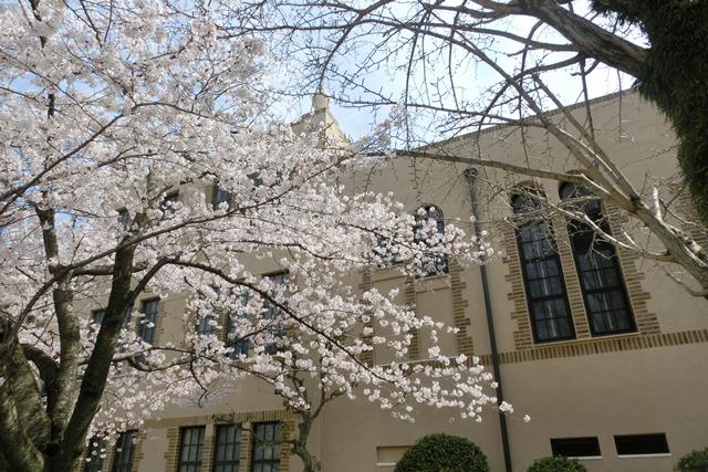 美しい校舎と庭園神戸女学院大学の魅力、大学遺産を観光資源活用、今村岳司市長に期待文化都市大学の利用_d0181492_0384380.jpg