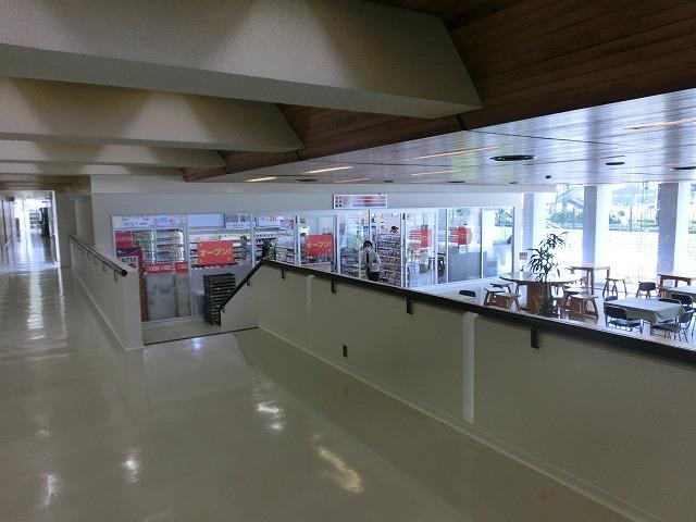 市役所1階にコンビニ「サークルKミニ 富士市役所店」がオープン_f0141310_7121093.jpg