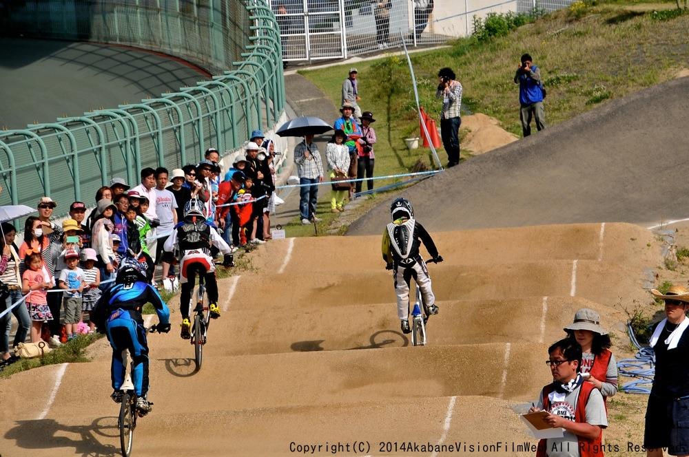 2014Jシリーズ /西日本シリーズ 第1戦 inサイクルピア岸和田 VOL7:B9〜10,11〜12歳決勝_b0065730_2075990.jpg