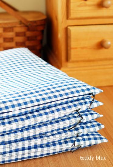 new cushions  新しいお座布団_e0253364_2347147.jpg