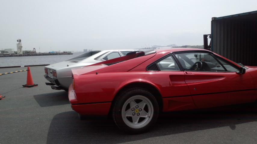 イタリアからの2台のフェラーリ_a0129711_15461932.jpg