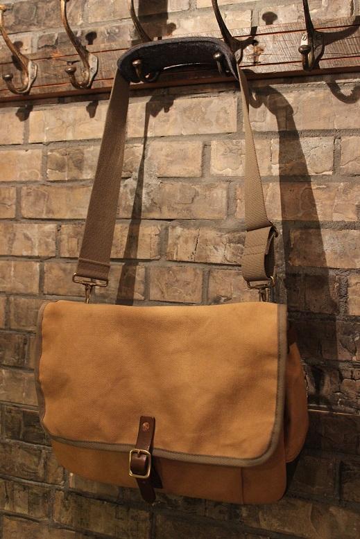 """SLOW \""""mail shloulder bag\"""" ご紹介_f0191324_10221572.jpg"""