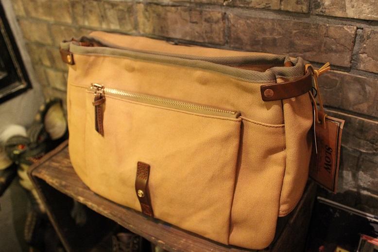 """SLOW \""""mail shloulder bag\"""" ご紹介_f0191324_10225192.jpg"""