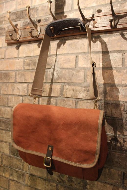 """SLOW \""""mail shloulder bag\"""" ご紹介_f0191324_10233075.jpg"""