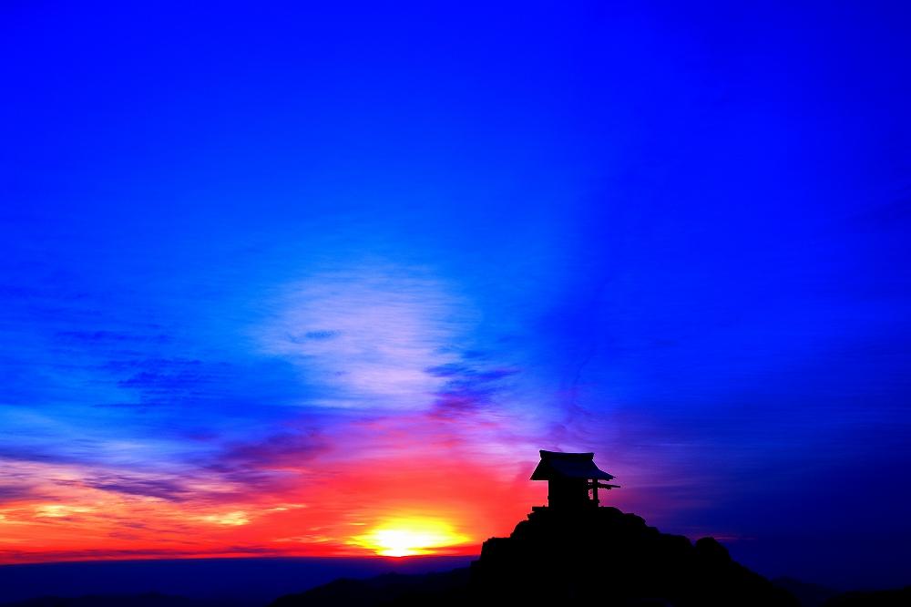 剣山から見る朝景_c0247313_17231614.jpg