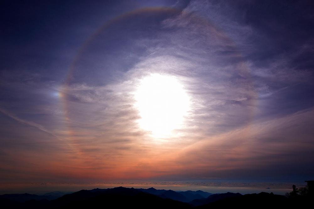 剣山から見る朝景_c0247313_1723999.jpg