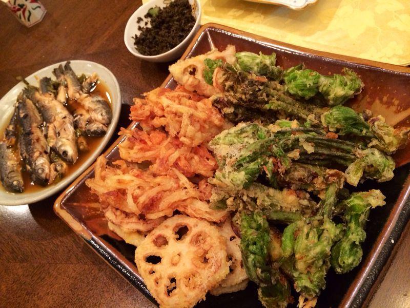 山菜天ぷら & おそば_c0151965_1344337.jpg