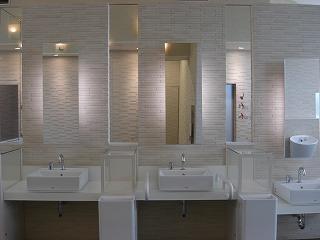 高速道路トイレの旅2_e0190287_2040687.jpg