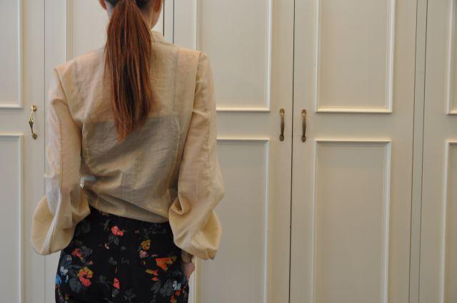 シャンパンゴールドのシャツ DRIES VAN NOTEN._b0110586_19541374.jpg