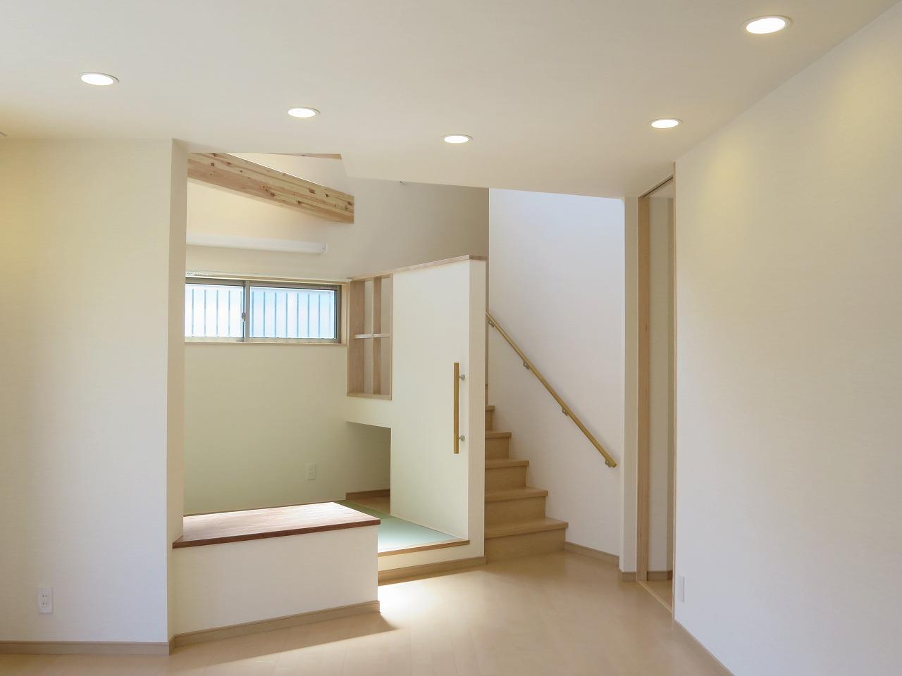 不整形敷地の2世帯住宅-完成_b0118287_8322271.jpg