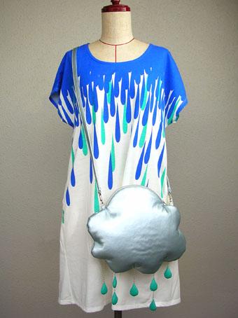 雨雲にピッタリのTシャツをみつけたよ(^^)_e0147421_18112133.jpg