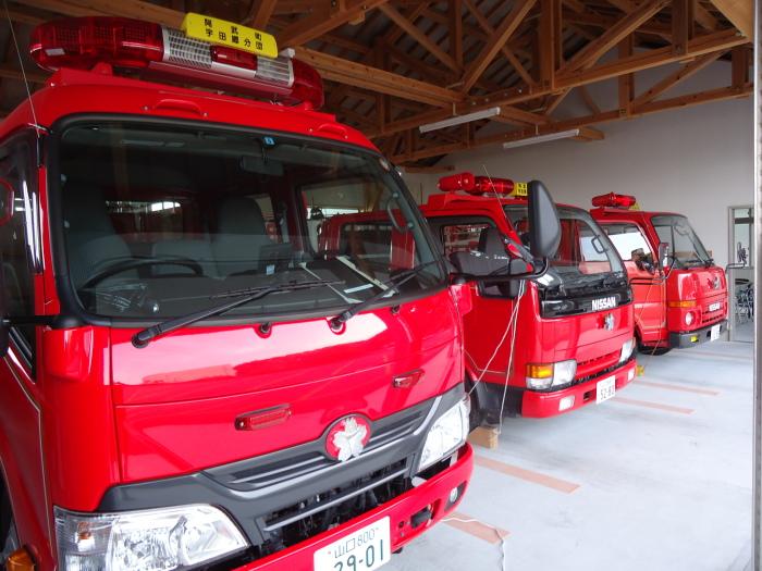 消防器庫の掃除点検_d0159062_13432262.jpg