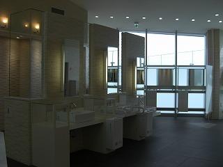 高速道路トイレの旅2_e0190287_1151339.jpg