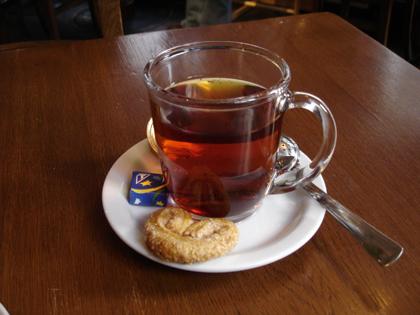 4時のお茶。_f0038600_2342363.jpg