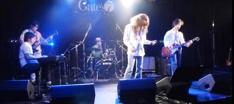 2014年5月4日、カラフルどんたくライブ@Gate\'7、第2部のライブレポ♪_e0188087_22443534.jpg