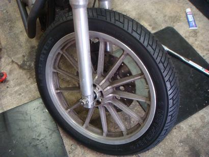 Tire_c0153300_1774573.jpg