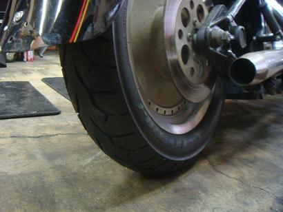 Tire_c0153300_1781036.jpg