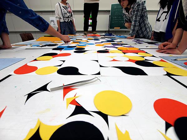 4週目は初めて色彩構成の授業/デザイン・工芸科 私大コース_f0227963_13192412.jpg