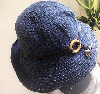 つばの広い帽子_a0159045_16191409.jpg
