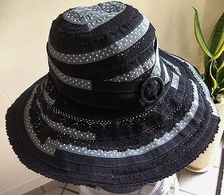 つばの広い帽子_a0159045_16191468.jpg