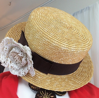 つばの広い帽子_a0159045_16192535.jpg
