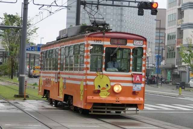 路面電車が観光事業を救う地域活性化計画に採用すべき安倍総理橋下徹市長に望む_d0181492_2126821.jpg