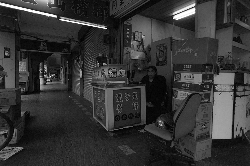 路上にて on the street, Taipei #LEICA M Monochrom_c0065410_23181118.jpg