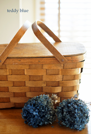 antique picnic basket  アンティーク ピクニックバスケット_e0253364_231017.jpg