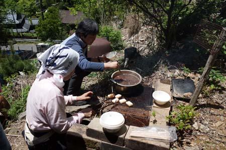 【報告】5月17日(土)松山の整備とちょこっと植林(後半)_e0032609_02023544.jpg