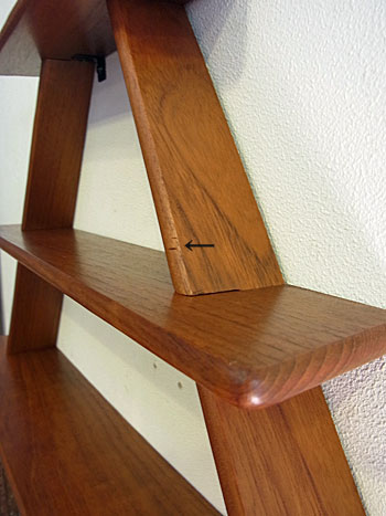 teak wall shelf_c0139773_1747435.jpg