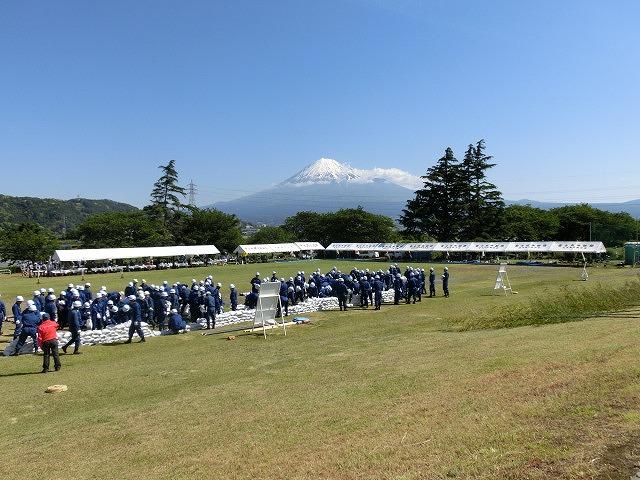 水害防止はハード、ソフトの両面から! 富士市水防訓練_f0141310_7332637.jpg
