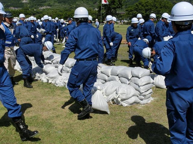 水害防止はハード、ソフトの両面から! 富士市水防訓練_f0141310_7333694.jpg