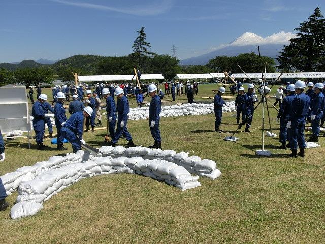 水害防止はハード、ソフトの両面から! 富士市水防訓練_f0141310_734369.jpg