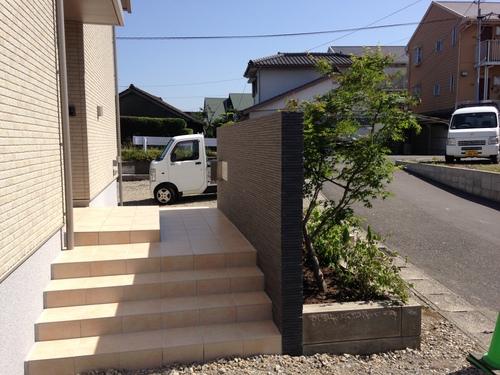 宮崎市Y様邸新築外溝工事第一期工事完成!_b0236217_1471240.jpg