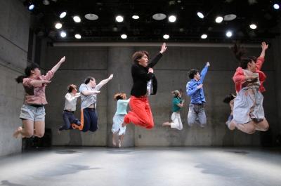 ダンスとコント劇がぎっしり詰まった「lulu」公演終わる_d0178431_20112317.jpg