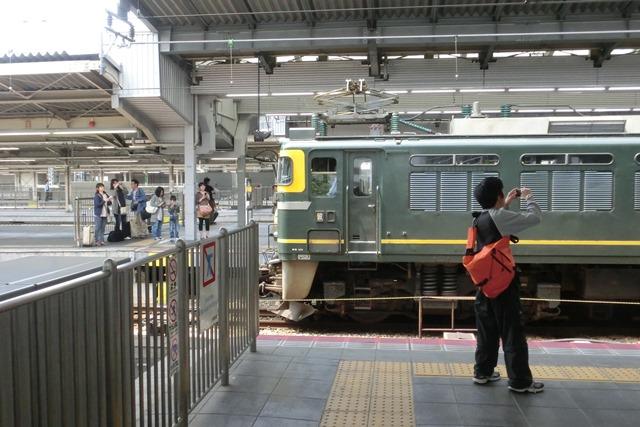 寝台特急列車トワイライトエクスプレス大阪駅で、日本海を走り札幌から大阪へトワイライトエクスプレス走る_d0181492_5324959.jpg