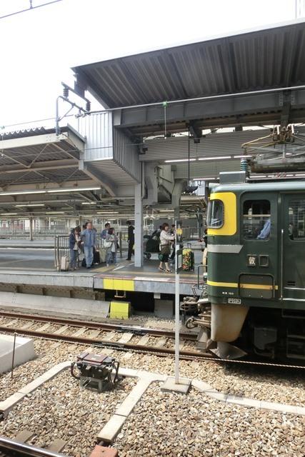 寝台特急列車トワイライトエクスプレス大阪駅で、日本海を走り札幌から大阪へトワイライトエクスプレス走る_d0181492_533664.jpg