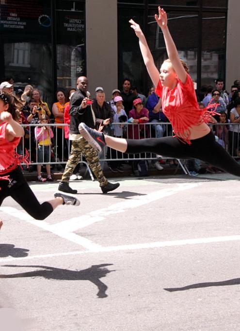NYダンス・パレード特集:ダンスへの情熱編_b0007805_10572236.jpg